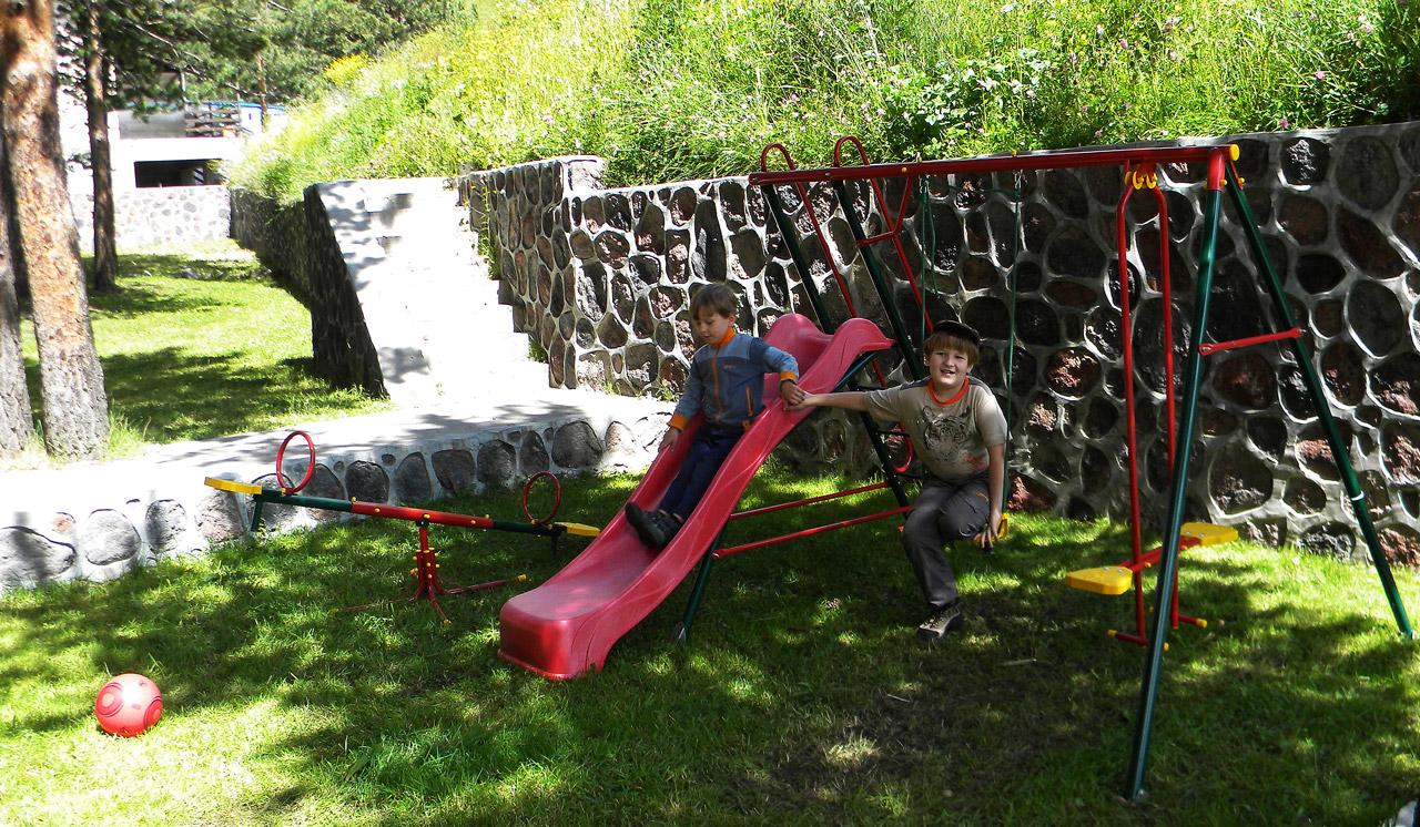 детская площадка в Приэльбрусье
