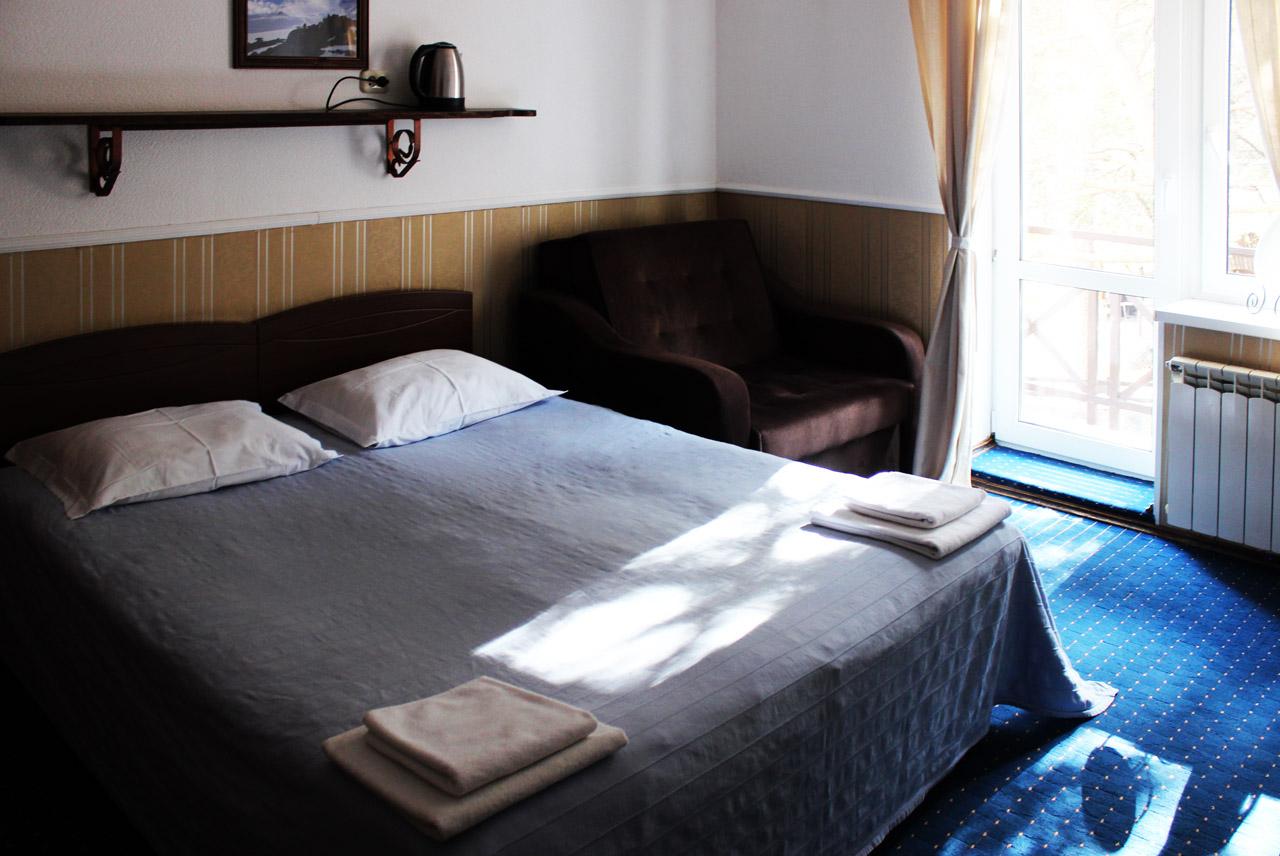 трехместный номер в отеле в Приэльбрусье